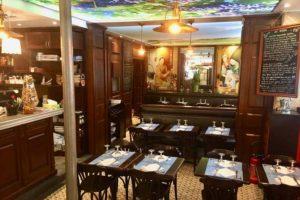 Le Coin Paris - tables et salle du restaurant